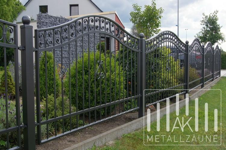 Ak Metallzaune Zaune Aus Polen Celle Zaun Schmiedeeiserne Zaun